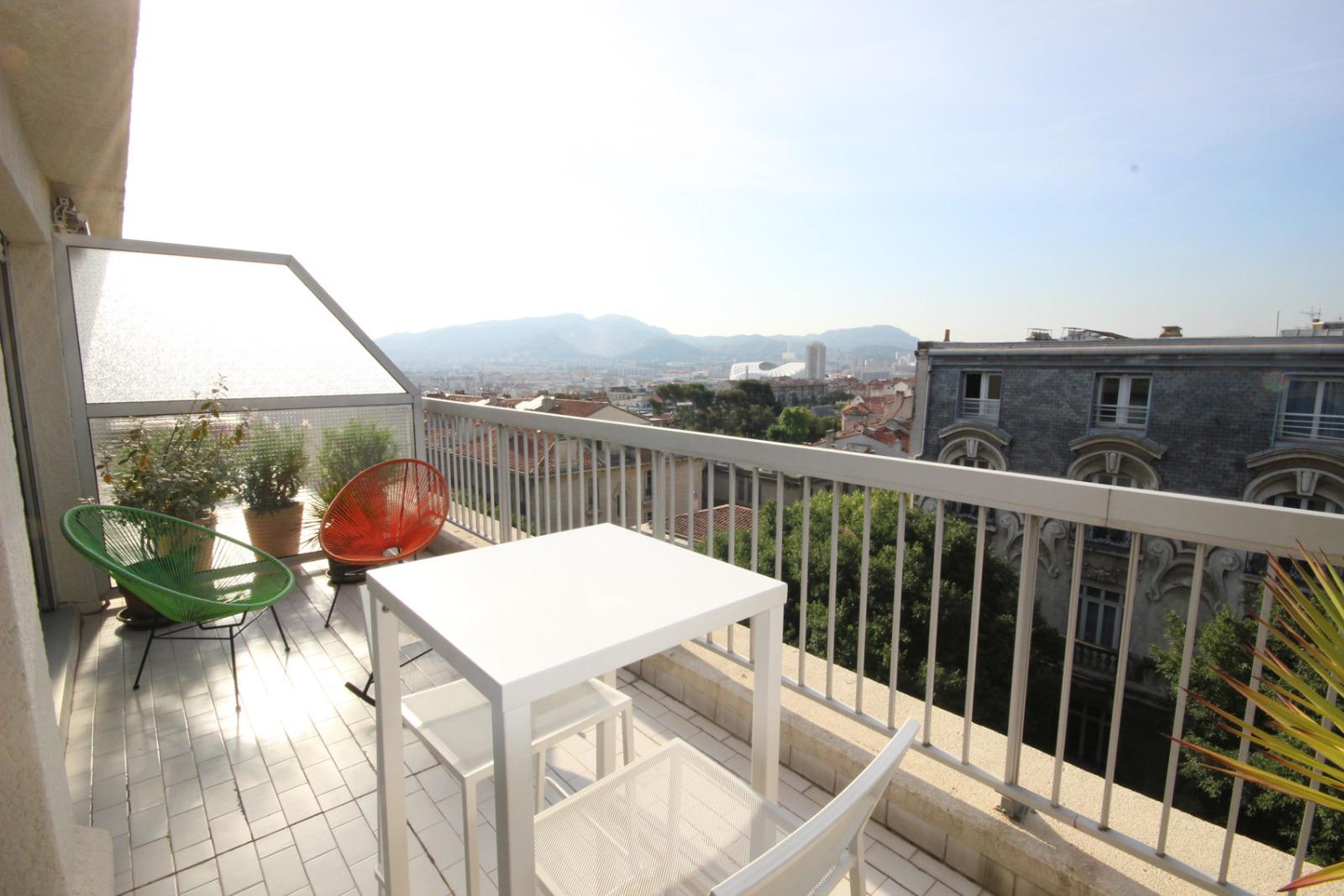 Vente vente appartement type 2 en duplex sur les hauteurs for Vente bien immobilier atypique