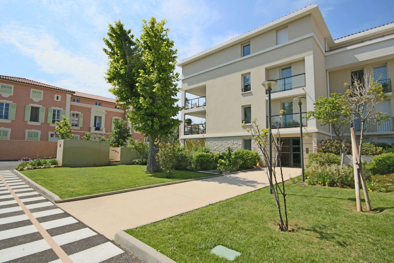 Location marseille 13008 bonneveine borely appartement Piscine bonneveine marseille 13008