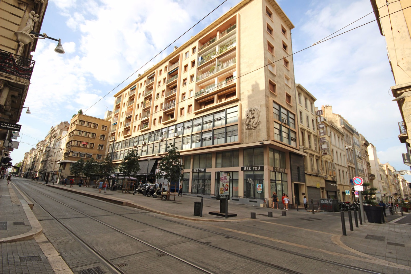 Location immobilier professionnel marseille 13001 rue for Site immobilier location